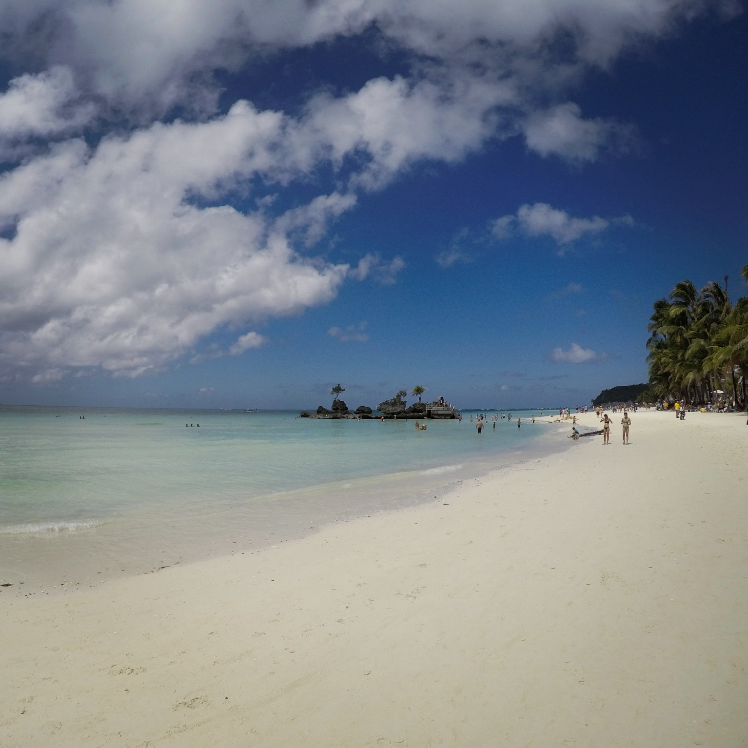 Boracay, Philippines – Island That Has Fun For Everyone